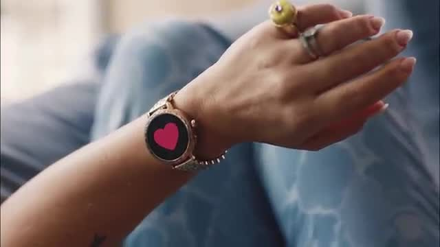 Scallop Smartwatch 2 Campaign W/ Busy Phillips -